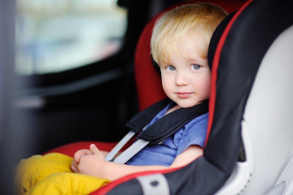 Картинки детей в автокреслах