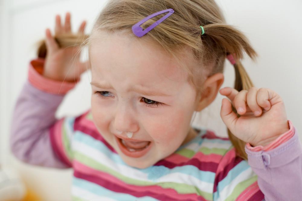 Истерики у ребенка 2-3 лет: как успокоить, что делать