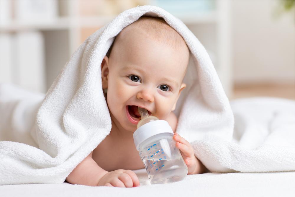 По какой причине ребенок пьет много воды ночью и днем