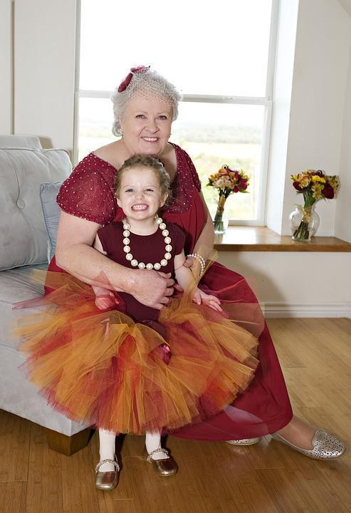 Бабушки – внуки: родители ревнуют